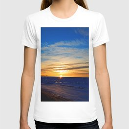 Sun and Sea on last day on winter T-shirt