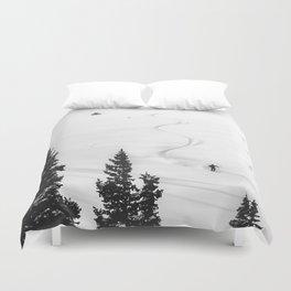 Backcountry Skier // Fresh Powder Snow Mountain Ski Landscape Black and White Photography Vibes Bettbezug
