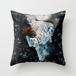 La dame blanche Throw Pillow