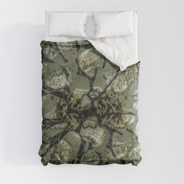 Waifs - Cracking through W of Alphabet collection Comforters