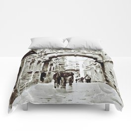 Carrer del Bisbe - Barcelona Black and White Comforters