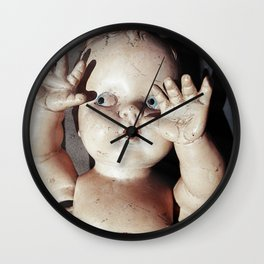 """I see you"" Creepy Scared Doll with Hands Up Wall Clock"
