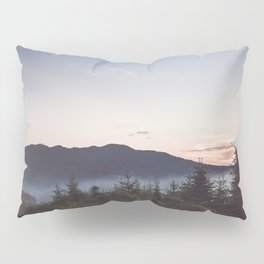 Night is coming Pillow Sham