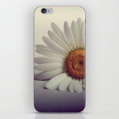 Daisy Flower iPhone & iPod Skin