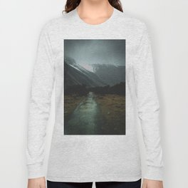 Hiking Around the Mountains & Valleys of New Zealand Long Sleeve T-shirt