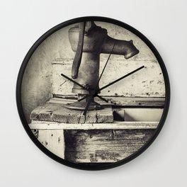 Simple Living Wall Clock