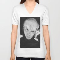 shinee V-neck T-shirts featuring Jonghyun by Roxie33