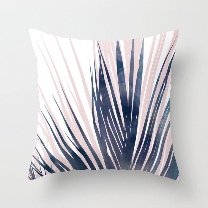 Contemporary Palm Leaf in Navy Blue and Blush Pink Deko-Kissen