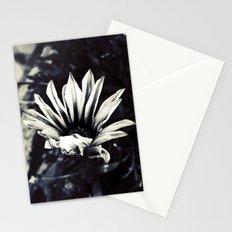 dead beatiful flower 3 Stationery Cards