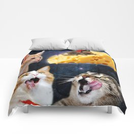 Cats and the mouse on the cheese Comforters