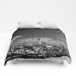 BEACH - California Beach Towers - Monochrome Comforters