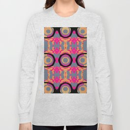 psychedelic graffiti skull head in pink and orange with grey background Long Sleeve T-shirt
