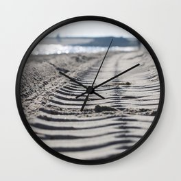 Traces in the sand 2 Wall Clock
