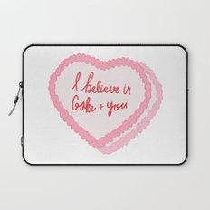 I believe in cake and you - cake illustration Laptop Sleeve