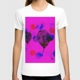 Skeleton leaves with polka dots (magenta) T-shirt