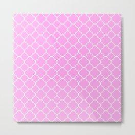 Pink And White Quatrefoil Pattern Metal Print