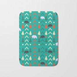 Winter bear pattern in green Bath Mat