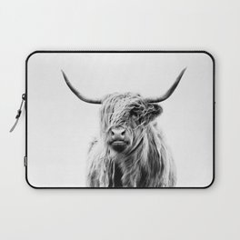 portrait of a highland cow Laptop Sleeve