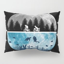 Close Encounters of the Moon Pillow Sham
