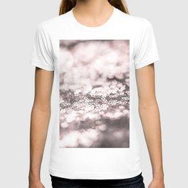 Shiny rose sparkling bokeh T-shirt