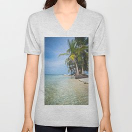 The San Blas Islands in Panama. Isla Iguana Unisex V-Neck
