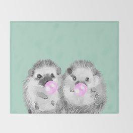 Playful Twins Hedgehog Decke