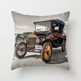 1916 Ford Model T Throw Pillow