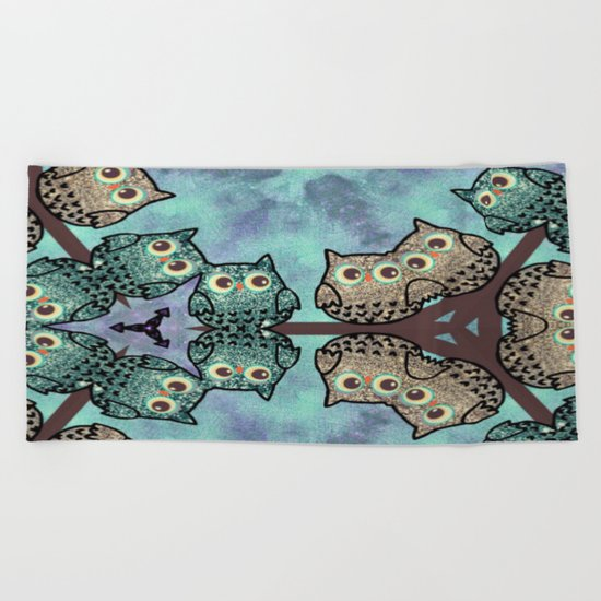 owl-377 Beach Towel