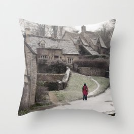 i feel winter... Throw Pillow