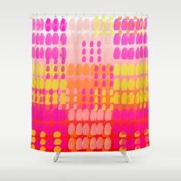 dot turn pattern gradiant Shower Curtain