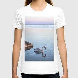 A beautiful swan T-shirt