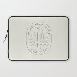 DUST NEVER SETTLES IN THE DESERT Laptop Sleeve