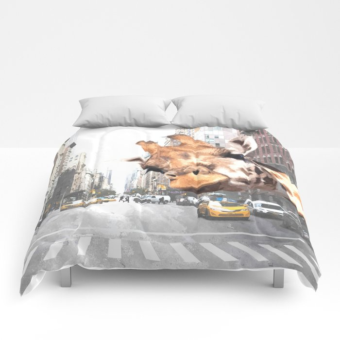 Selfie Giraffe in New York Comforters