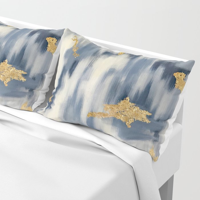 Blue and Gold Ikat Pattern Abstract Kissenbezug