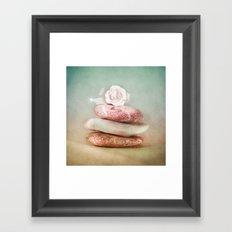 SMARAGD SOFT BALANCE Framed Art Print