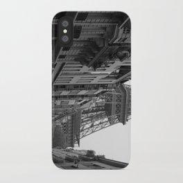 Et voilà la tour iPhone Case