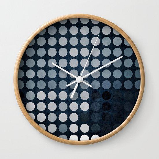 dryb dyts Wall Clock