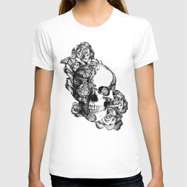 Butterfly rose skull with ladybugs. Good luck T-shirt