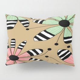 FLOWERY MAGGIE / ORIGINAL DANISH DESIGN bykazandholly Pillow Sham