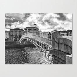 Ha'Penny Bridge in Dublin Canvas Print
