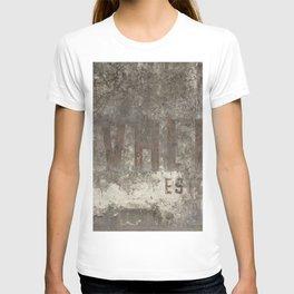 Cavelier Wall Mural T-shirt