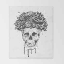 Skull with flowers Throw Blanket