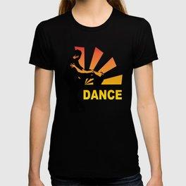 dancing couple silhouette - brazilian zouk T-shirt