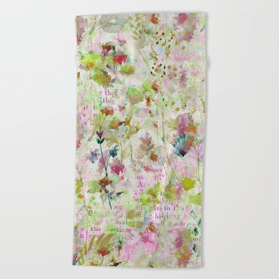 des fleurs et des mots Beach Towel