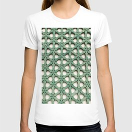 A royal pattern T-shirt