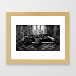 LADY MACBETH Framed Art Print