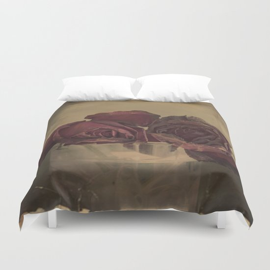 The veins of Roses Duvet Cover