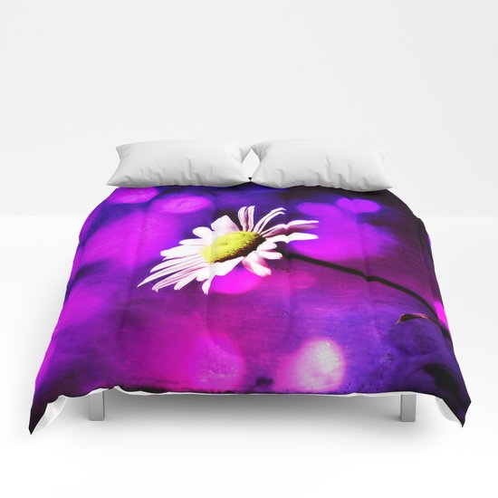 Pink N Amethyst Daisy  Comforters