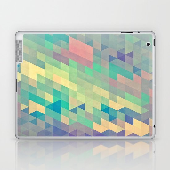 pystyl xpyss Laptop & iPad Skin