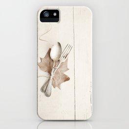 Cubiertos y hoja. iPhone Case